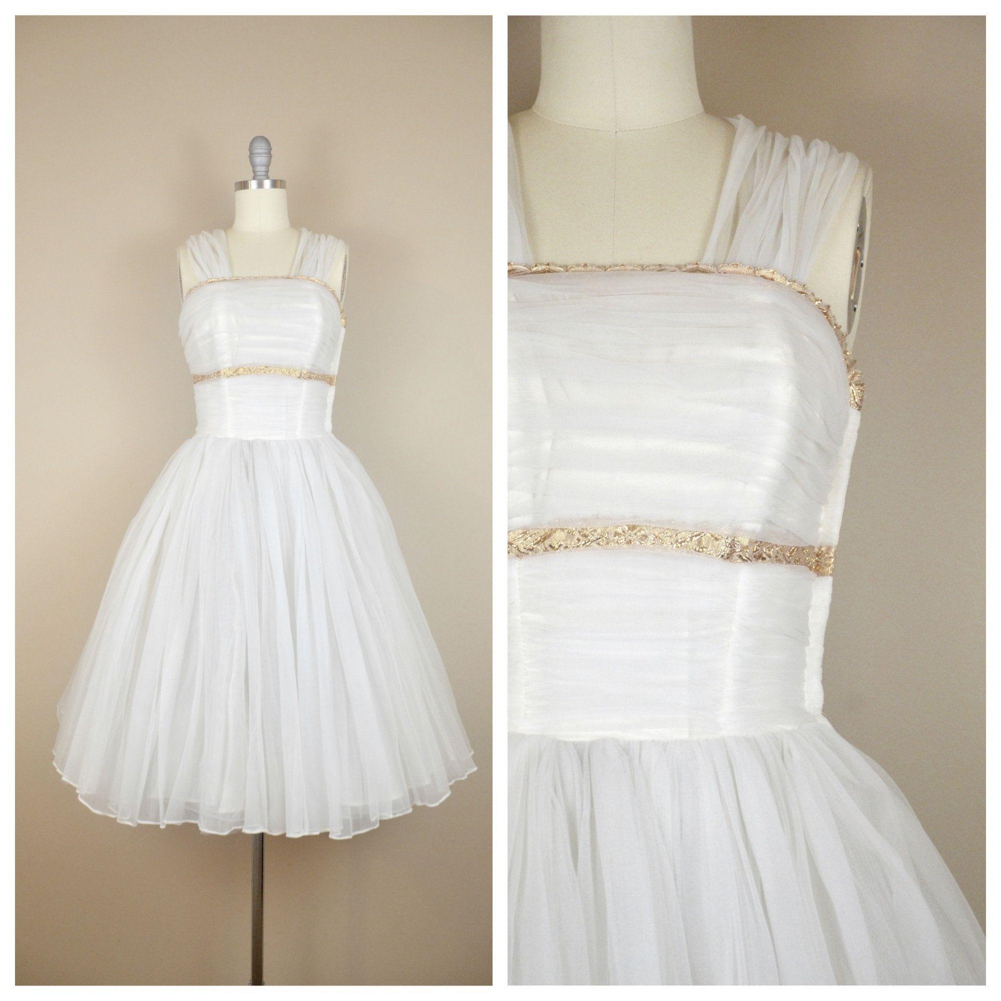 1960 Tulle Party Dresses Vintage Dresses 1960s 1960s Dresses Prom Dresses Vintage [ 1060 x 768 Pixel ]