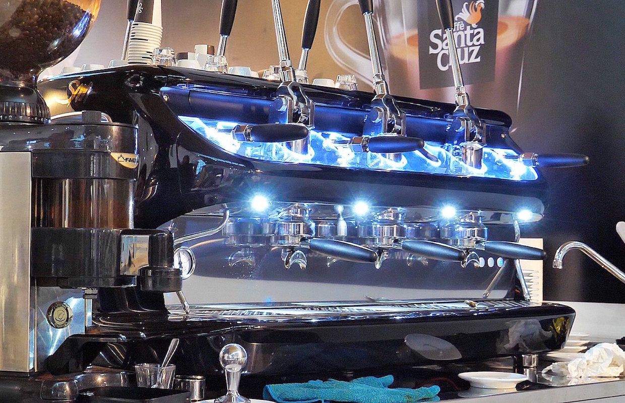 La San Marco Launches Six Headed Lever Monster The V6daily Coffee News By Roast Magazine Coffee Origin Product Launch Italian Espresso Machine