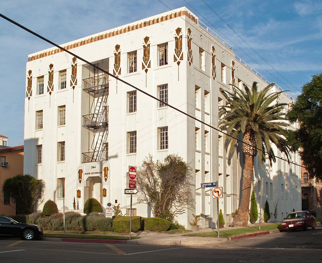 Apartment Building At 364 S Cloverdale Ave In The Fairfax District Mid City West District Of Los Angel Art Deco Architecture Los Angeles Apartments Mid City