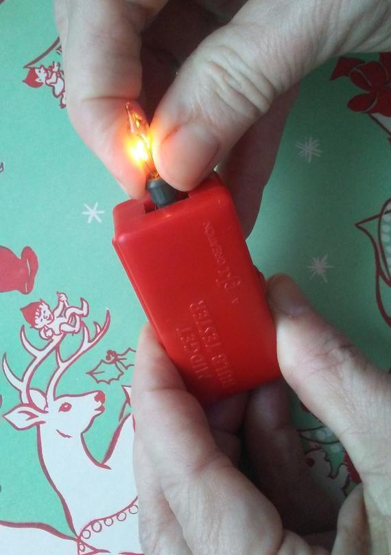 Christmas Light Bulb Tester.Vintage Midget Bulb Tester Retro Red Plastic Christmas