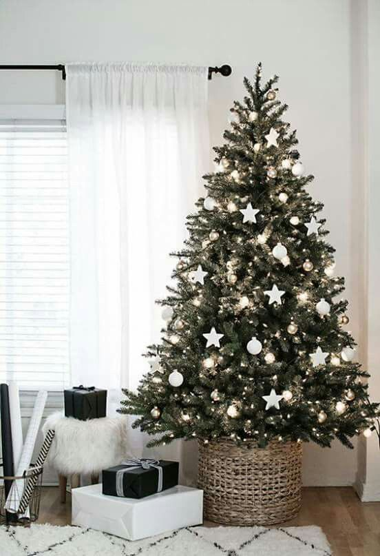 Christmas Tree Simple With Silver Decorations How Decorate