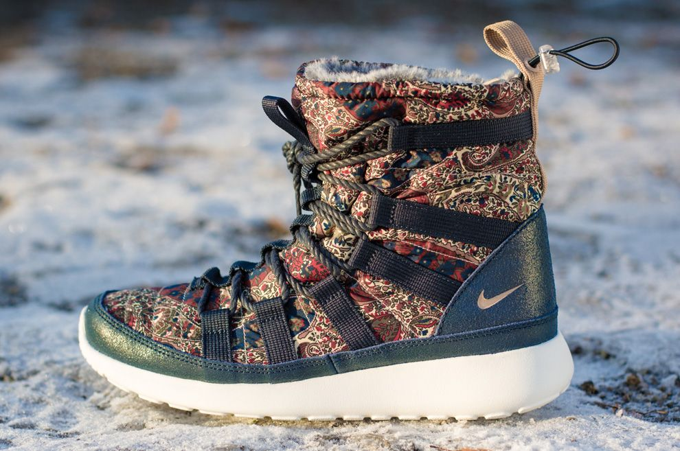 cheaper 717ad 786ee ... purchase liberty x nike wmns roshe run hi sneakerboot b9a66 91bde