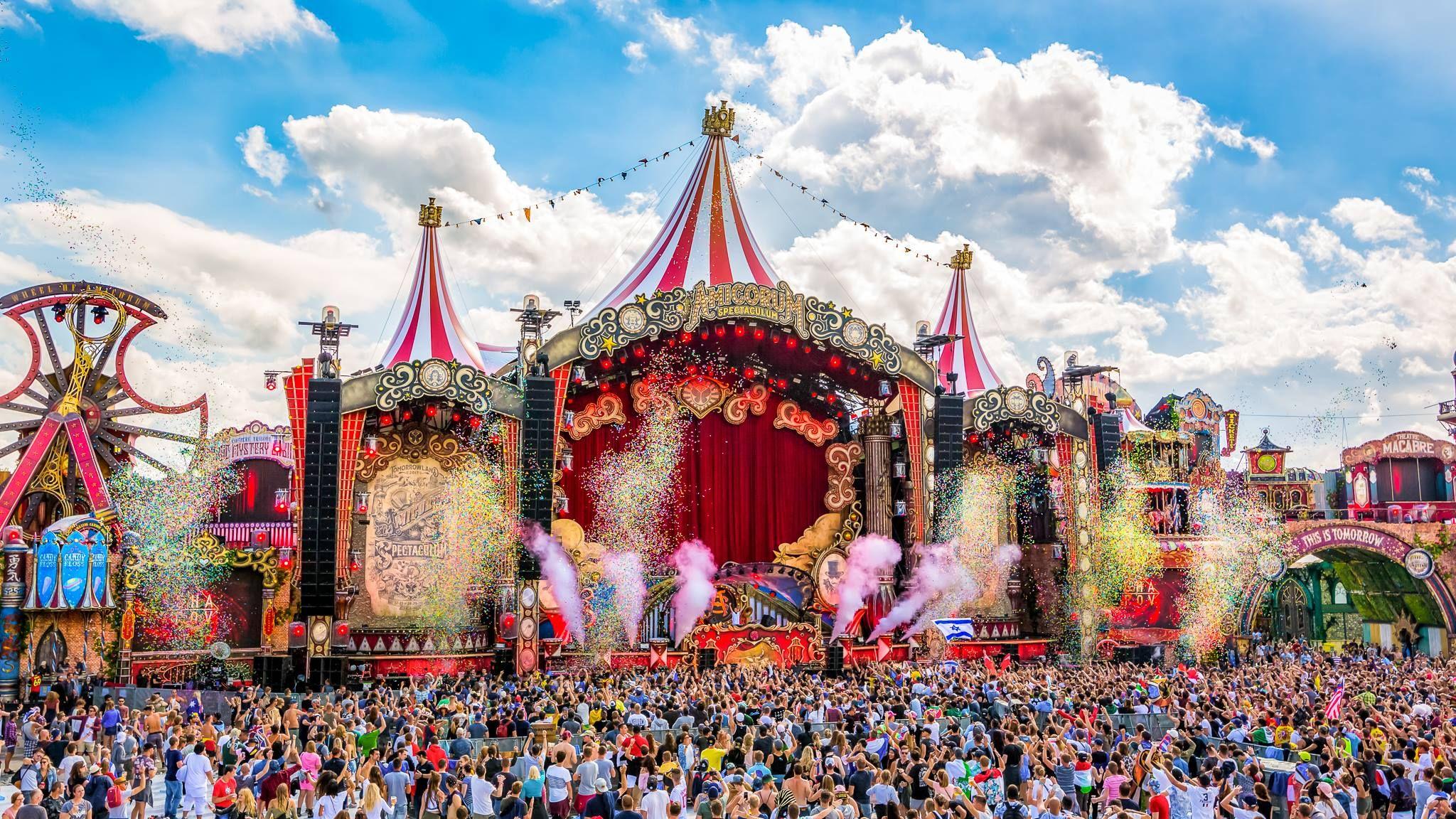 Top Tomorrowland 2017 | #AmicorumSpectaculum | TOMORROWLAND 2018  SS04