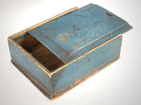 Perfect Candle Box Slide Lid, New England Or Pennsylvania, Circa 1800 To 1825
