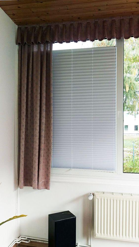 Cosiflor Plissee im Wohnzimmer - ein Kundenbild / Cosiflor pleated - wohnzimmer rot orange