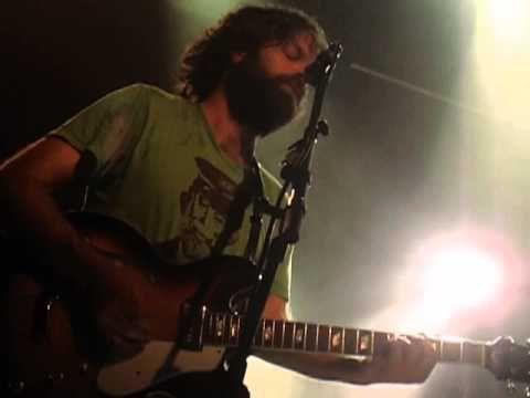 Slowdive - When The Sun Hits (Live @ Village Underground, London, 19/05/...