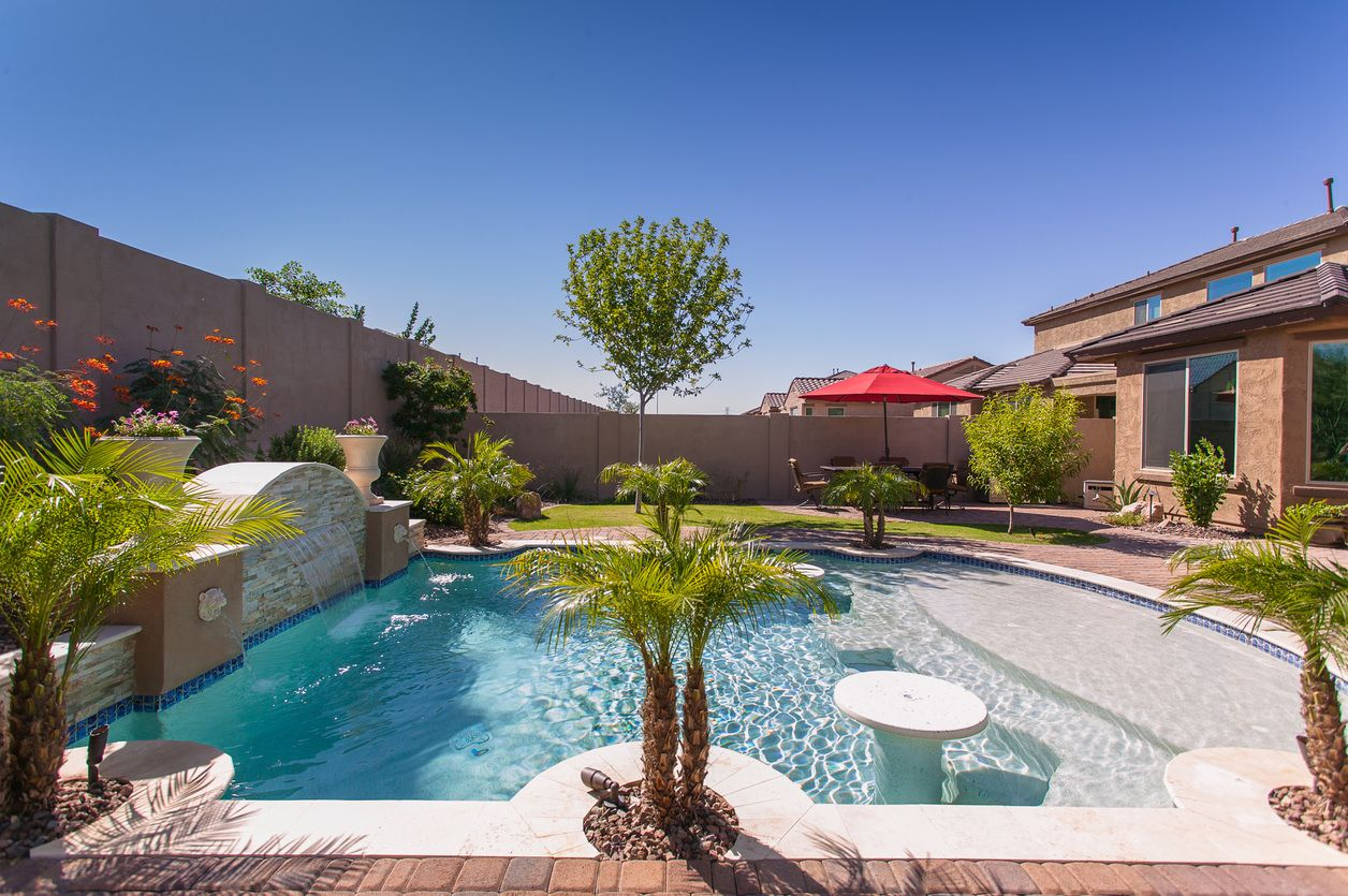 101 swimming pool designs and types photos great pools for Pool design 101