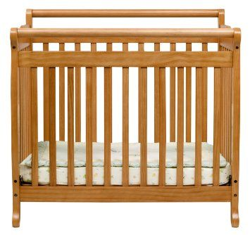 Amazon Com Davinci Emily Mini Crib Honey Oak Baby Mini Crib Cribs Crib Mattress