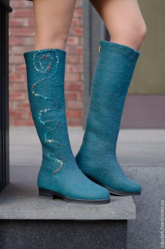 Стильная и модная зимняя обувь на фото. Валенки и угги ...