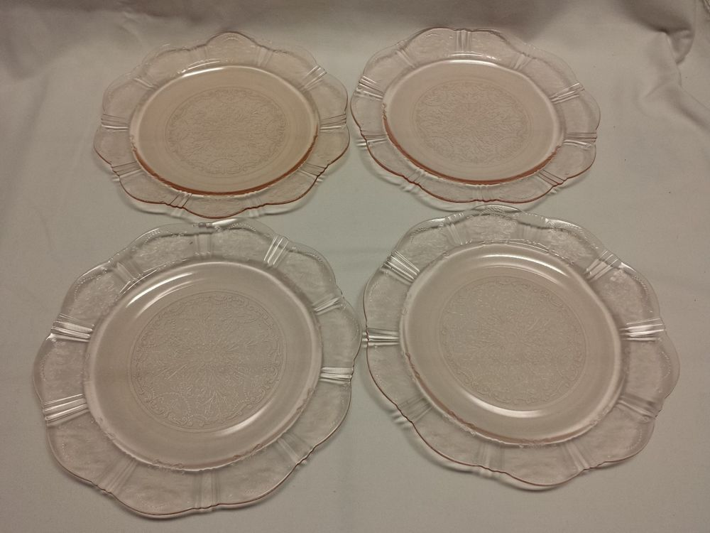 American Sweetheart Glass Pink Dinner Plates 9 3/4