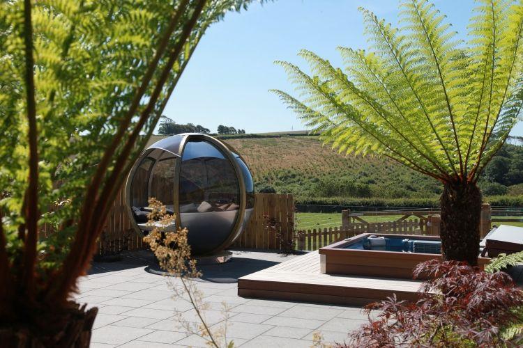 Whirlpool im Garten einbauen \u2013 39 atemberaubende Gestaltungsideen