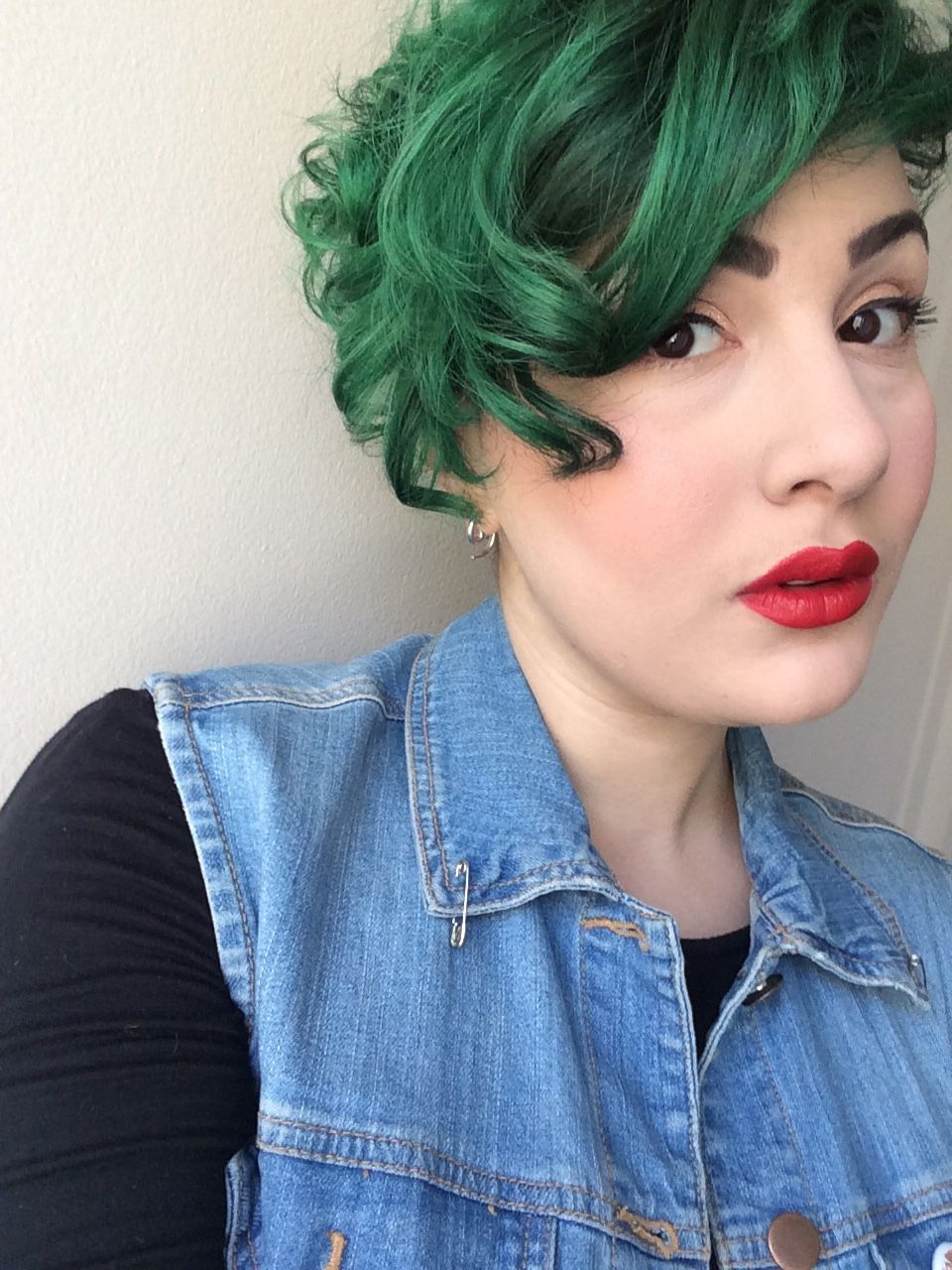 """missantiheroine: """"Totally not sorry for all the selfies today. I feel too damn gorgeous. """""""
