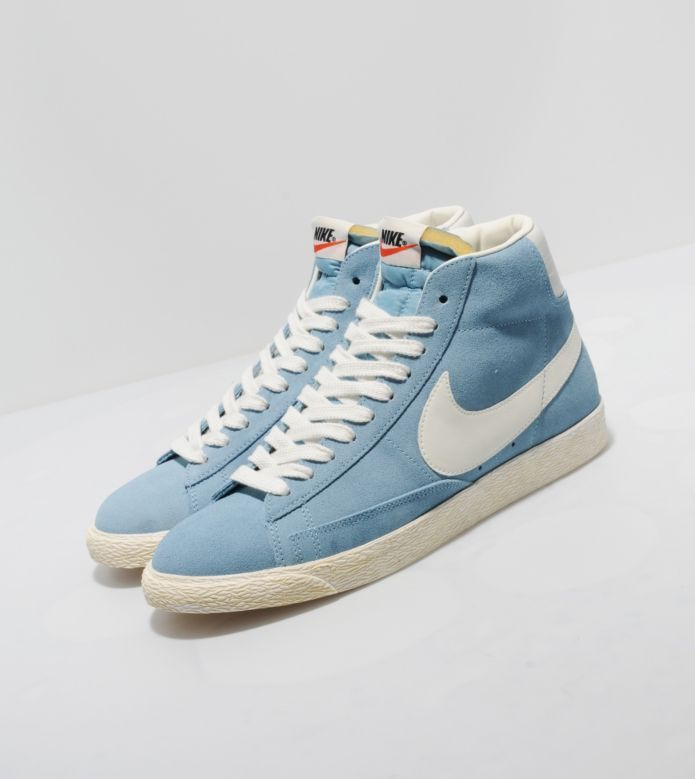 Nike Blazer Hi Vintage Suede - find out more on our site. Find the freshest  in trainers and clothing online now.