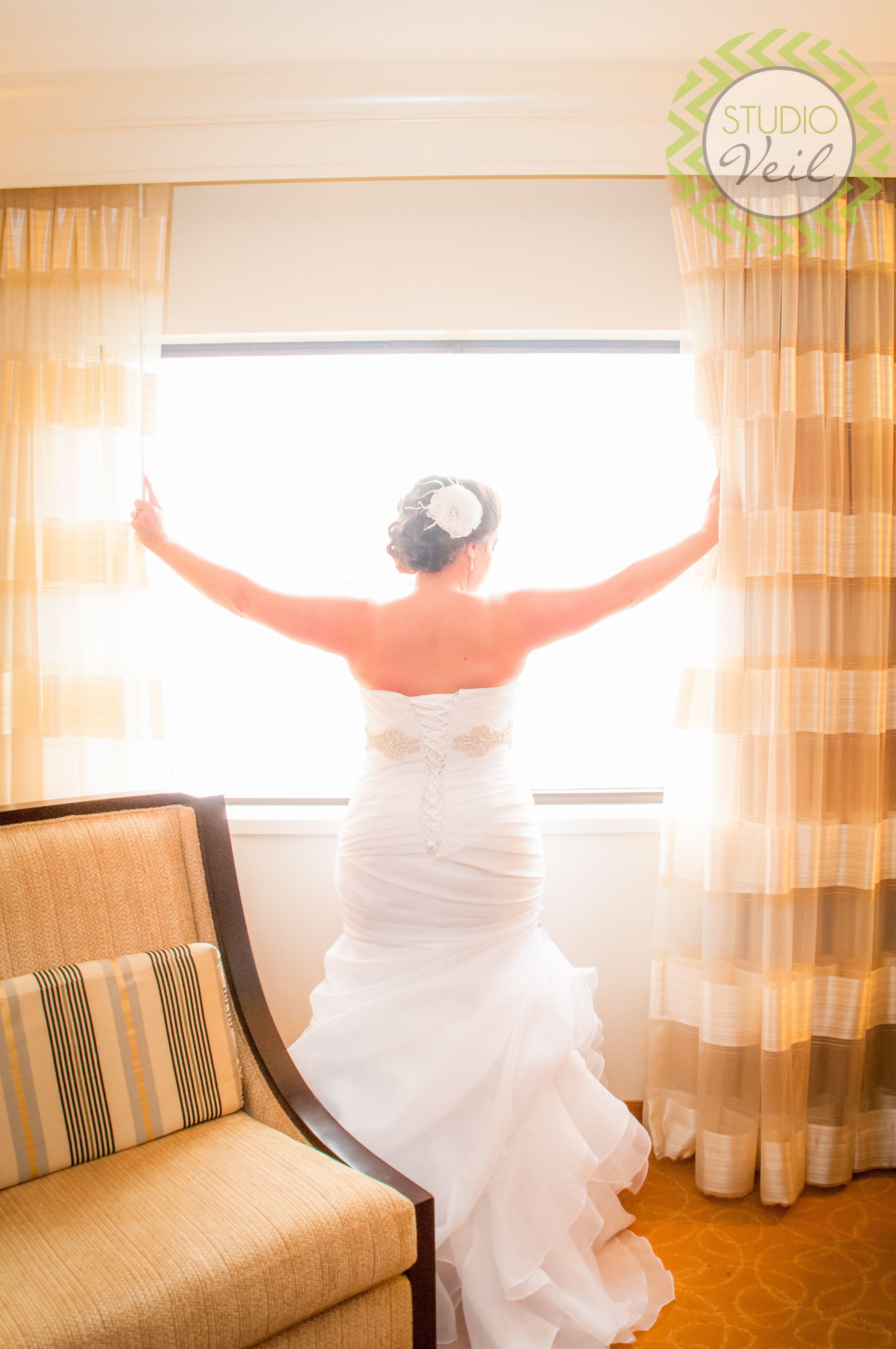 Bride Minneapolis Marriott Minneapolis Wedding