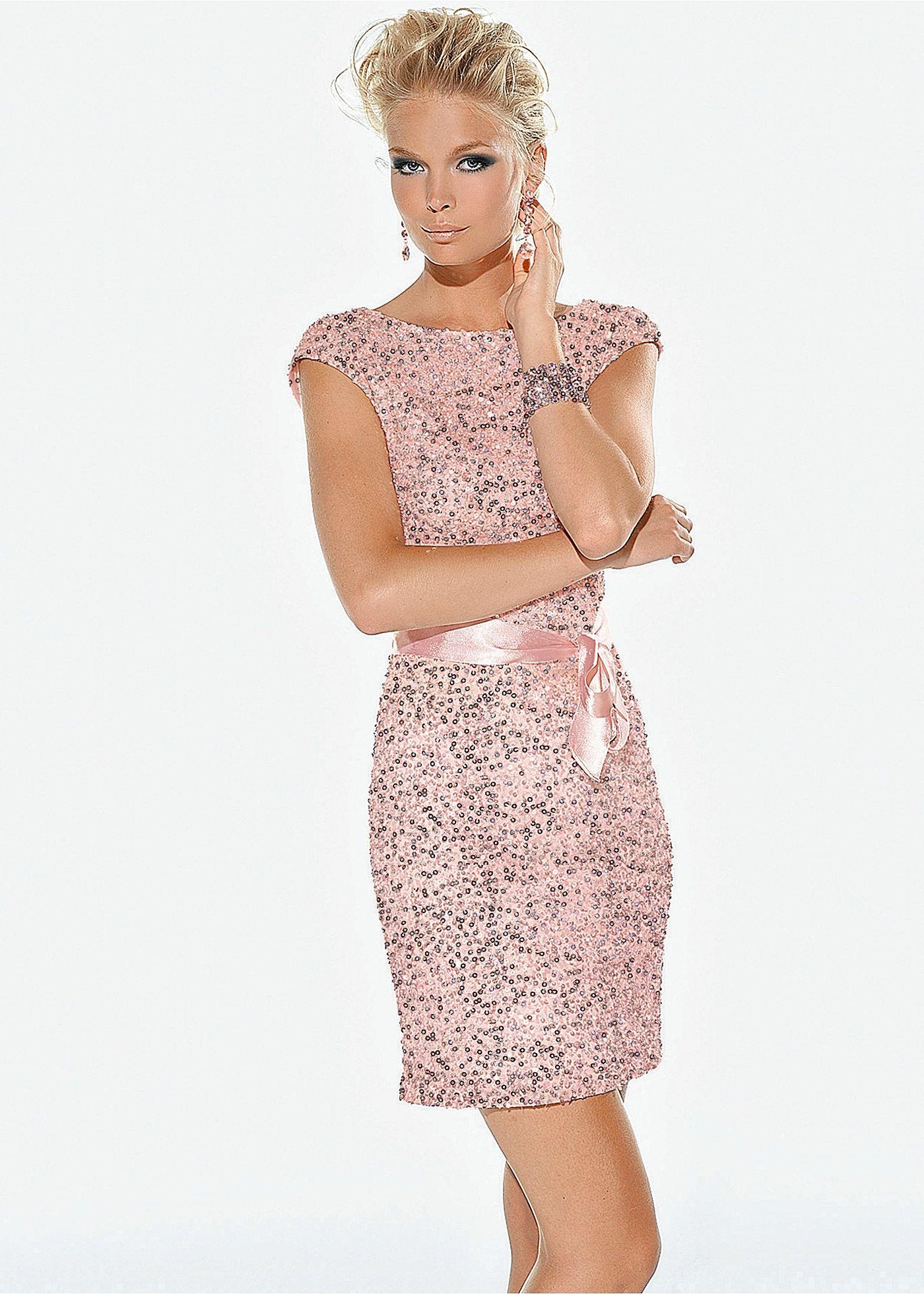 34a384e30 Vestido de paetês com cinto preto encomendar agora na loja on-line bonprix.de  R$ 149,00 a partir de Vestido com brilho e paetês, perfeito para a balada!