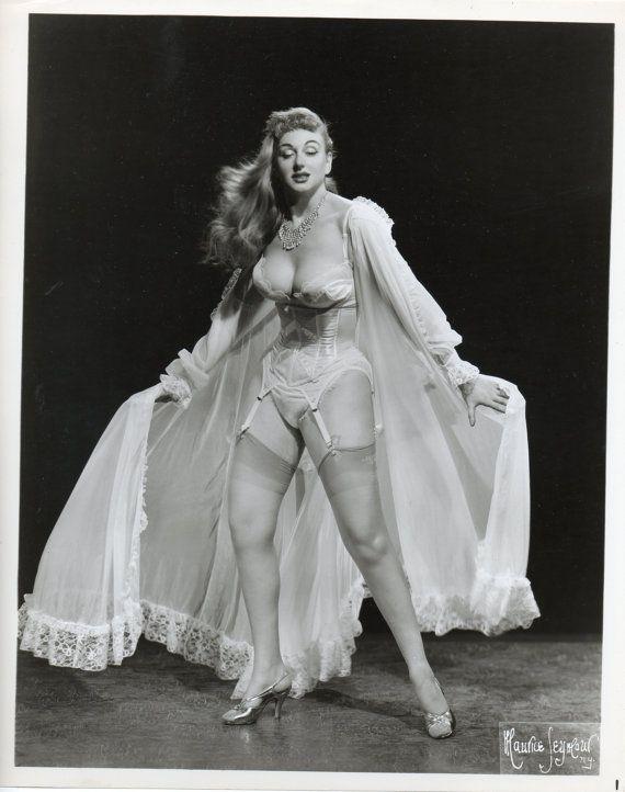 Lynn O'Neill   Viva Burlesque!   Pinterest
