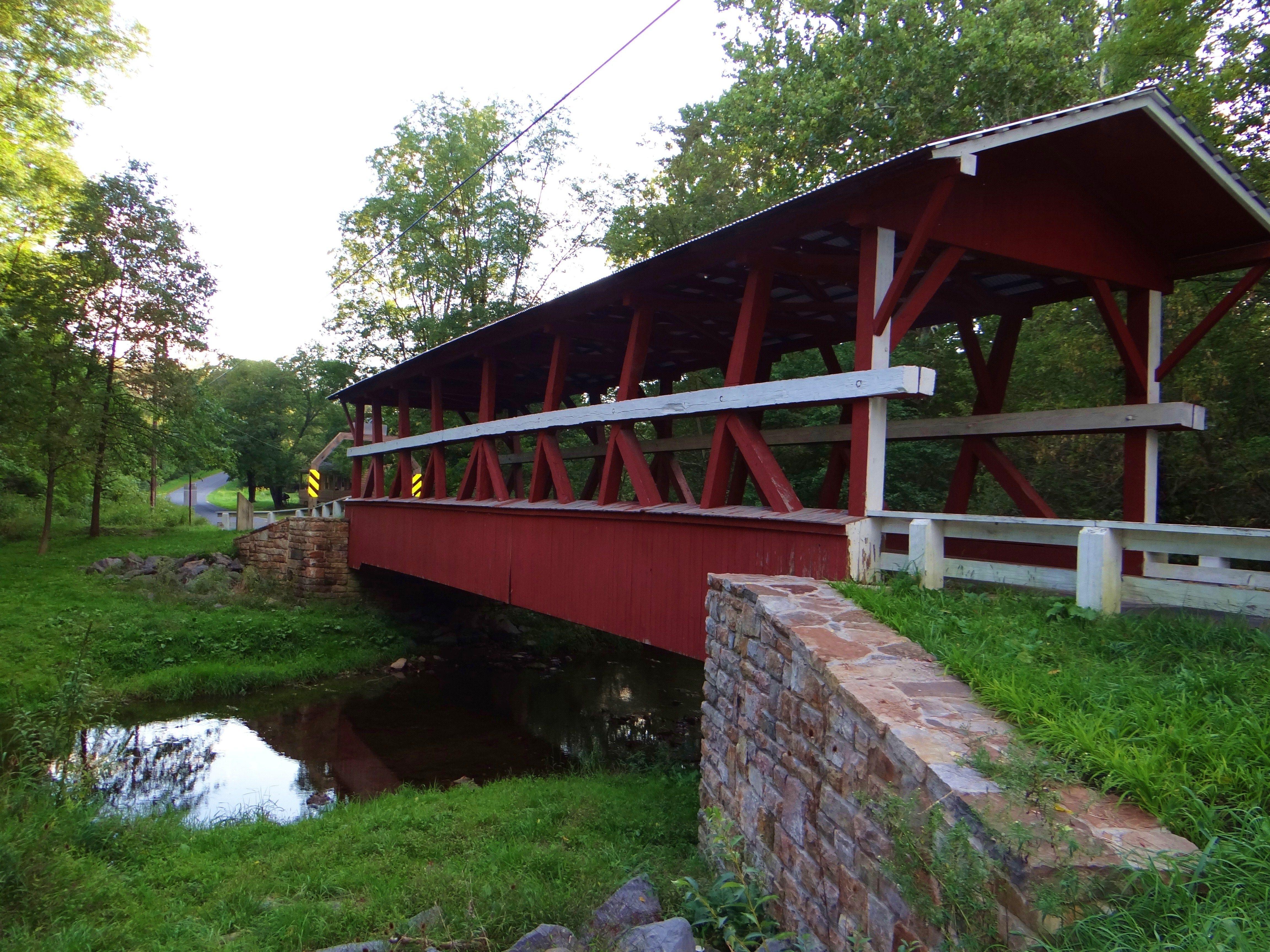 Pennsylvania covered bridge | Covered bridges, Old barns ...