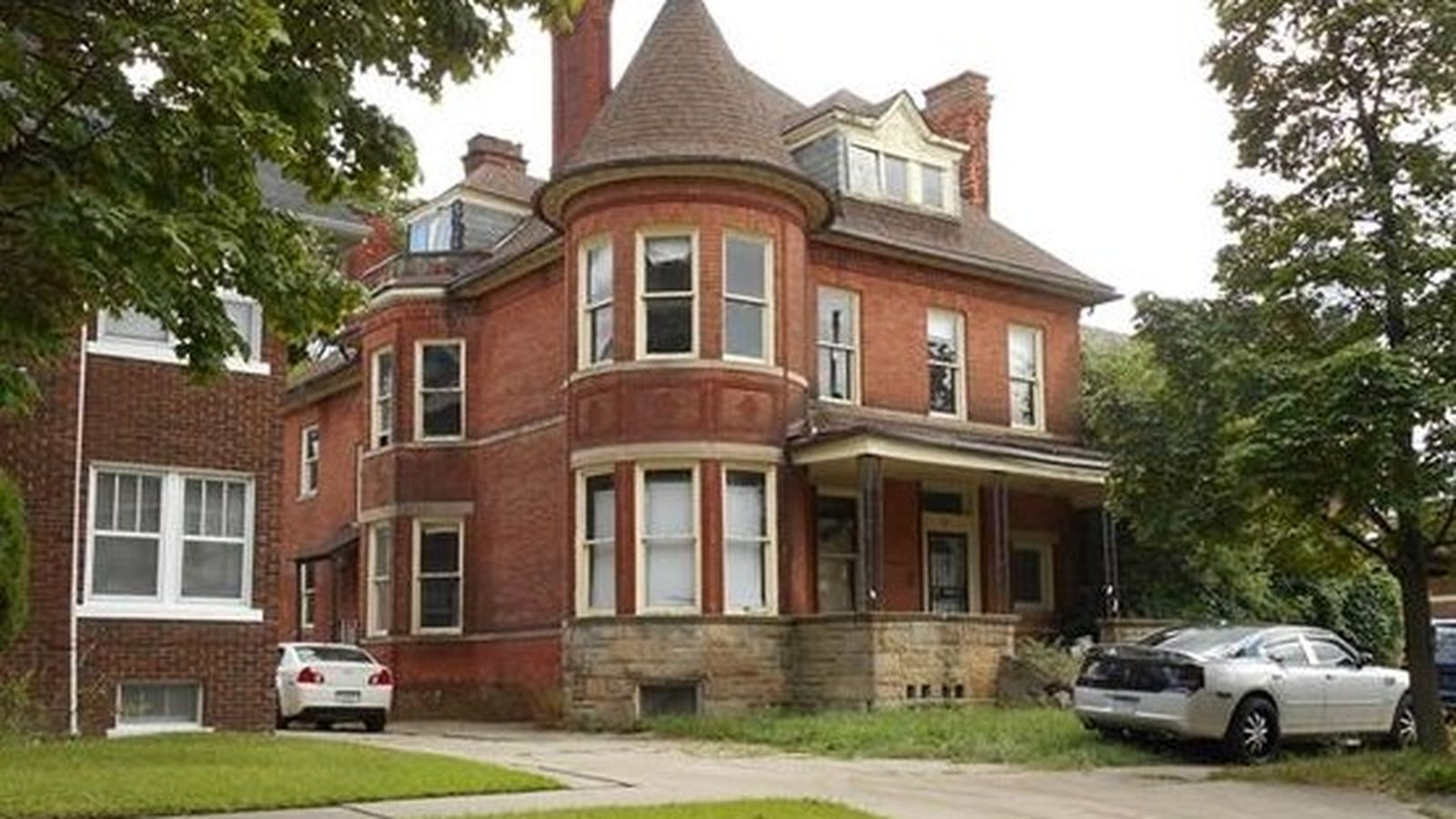 Price Drop 116 Year Old Home Needing Complete Rehab Asks 50k Historic Homes For Sale Old Houses Historic Homes
