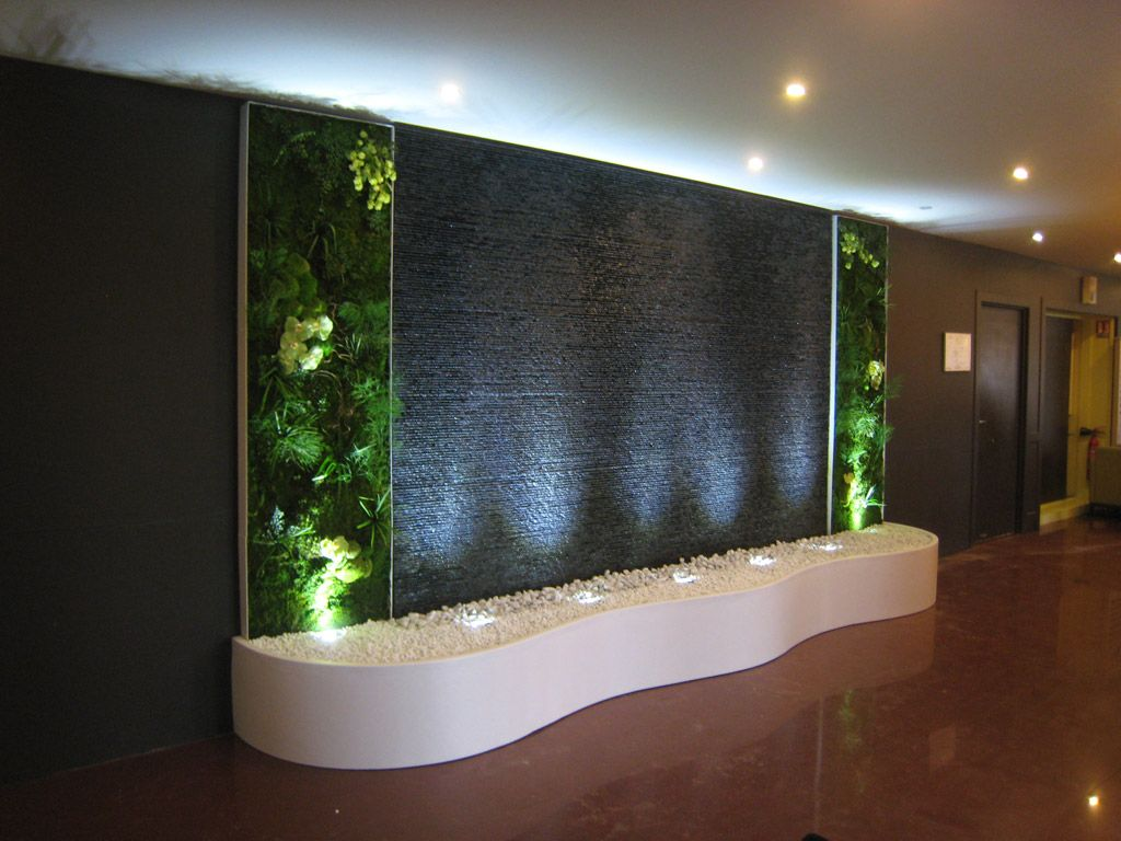 mur d 39 eau en pierre mur d 39 eau lumineux en inox ou encore. Black Bedroom Furniture Sets. Home Design Ideas