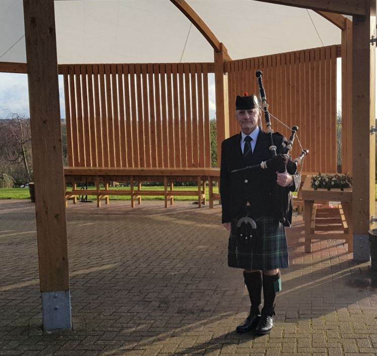 Bagpiping y'day for a Glasgow born lady's Funeral