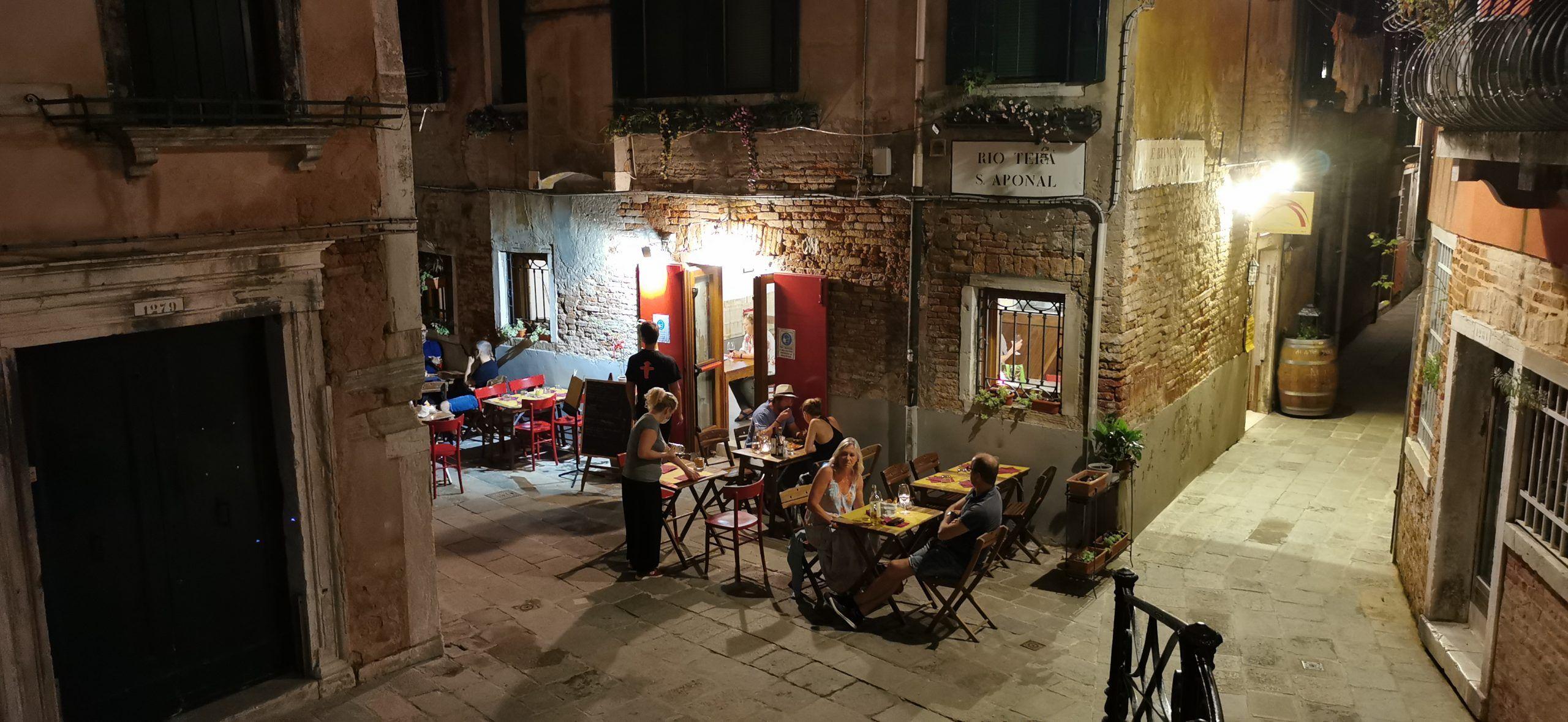 Osteria Ai 4 Feri Storti A Venezia Recensione Una Nuova Apertura Suggestiva Per Una Cucina Onesta Attorcigliato Nel Sestiere D Ferie Briciole Di Pane Trattori