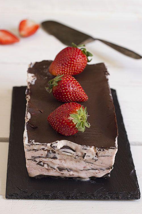 Yerbabuena en la cocina: Muselina de fresas con milhojas de chocolate crujiente. Reto tia Alia