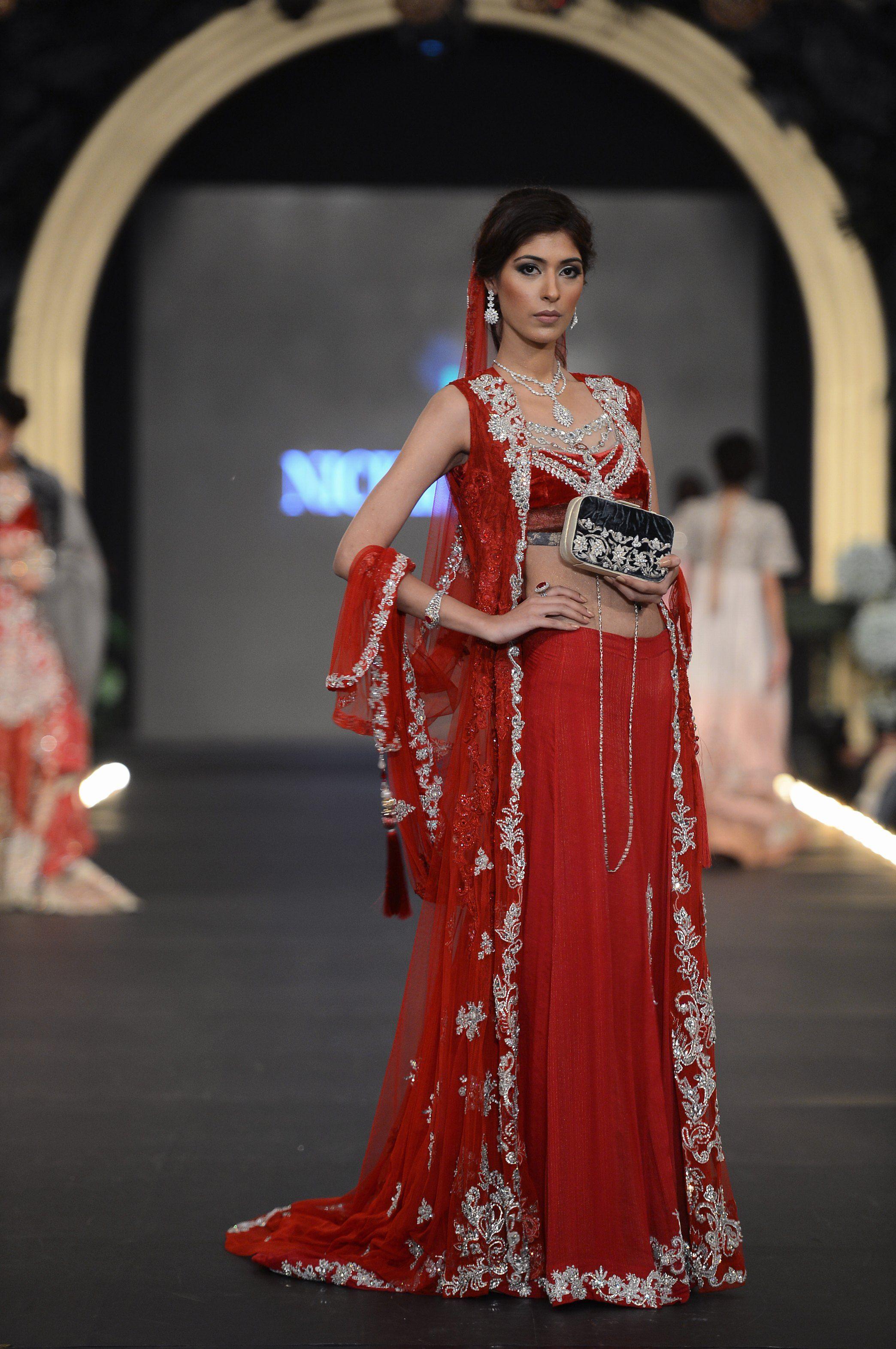 Nickienina Dresses Dress Partydresses Http Www Fashioncentral Pk Pakistani Designers 22 Nickie Nina Pakistan Fashion Fashion Pakistani Formal Dresses