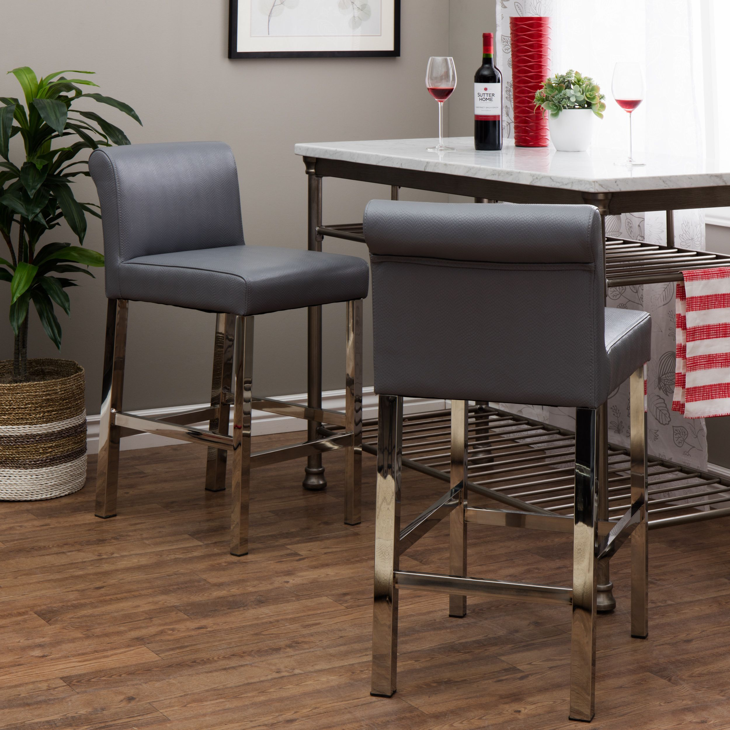 Beautiful Stainless Steel Bar Table and Stools