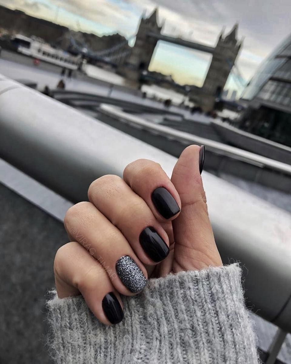 So Cute Short Acrylic Nails Ideas You Will Love Them Red Nails Glitter Black Nail Designs Black Nails With Glitter