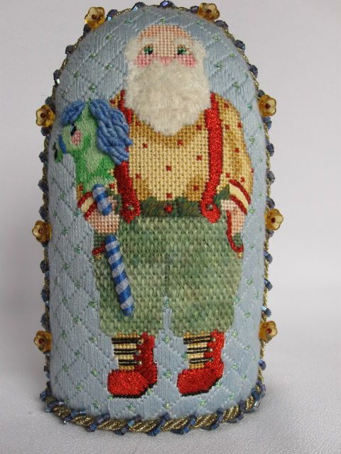 Needle House - A Collection of Designs with full stitch guide santa_2031.jpg