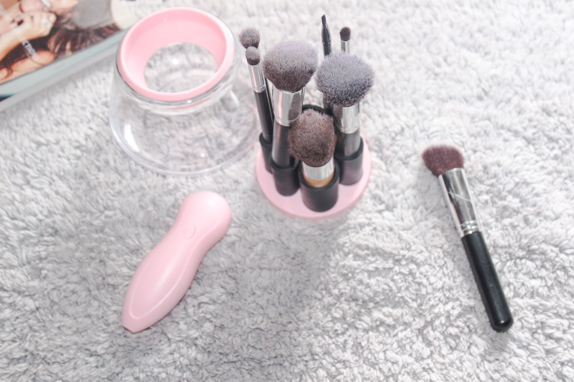 STYLPRO REVIEW MAKEUP BRUSH CLEANER & DRYER. Makeup