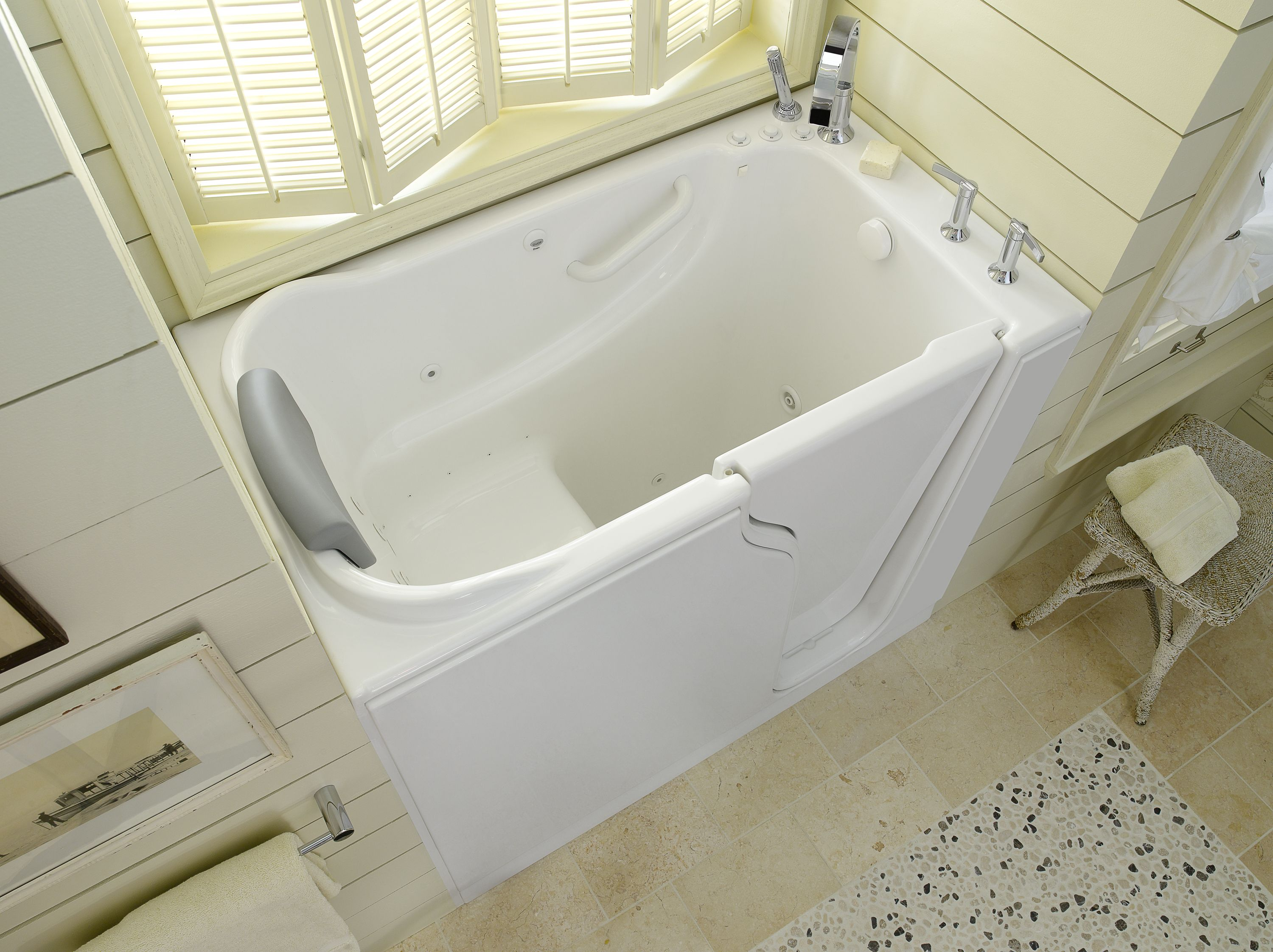 Benefits Of Walk In Tubs In 2020 Walk In Tubs Bathtub For