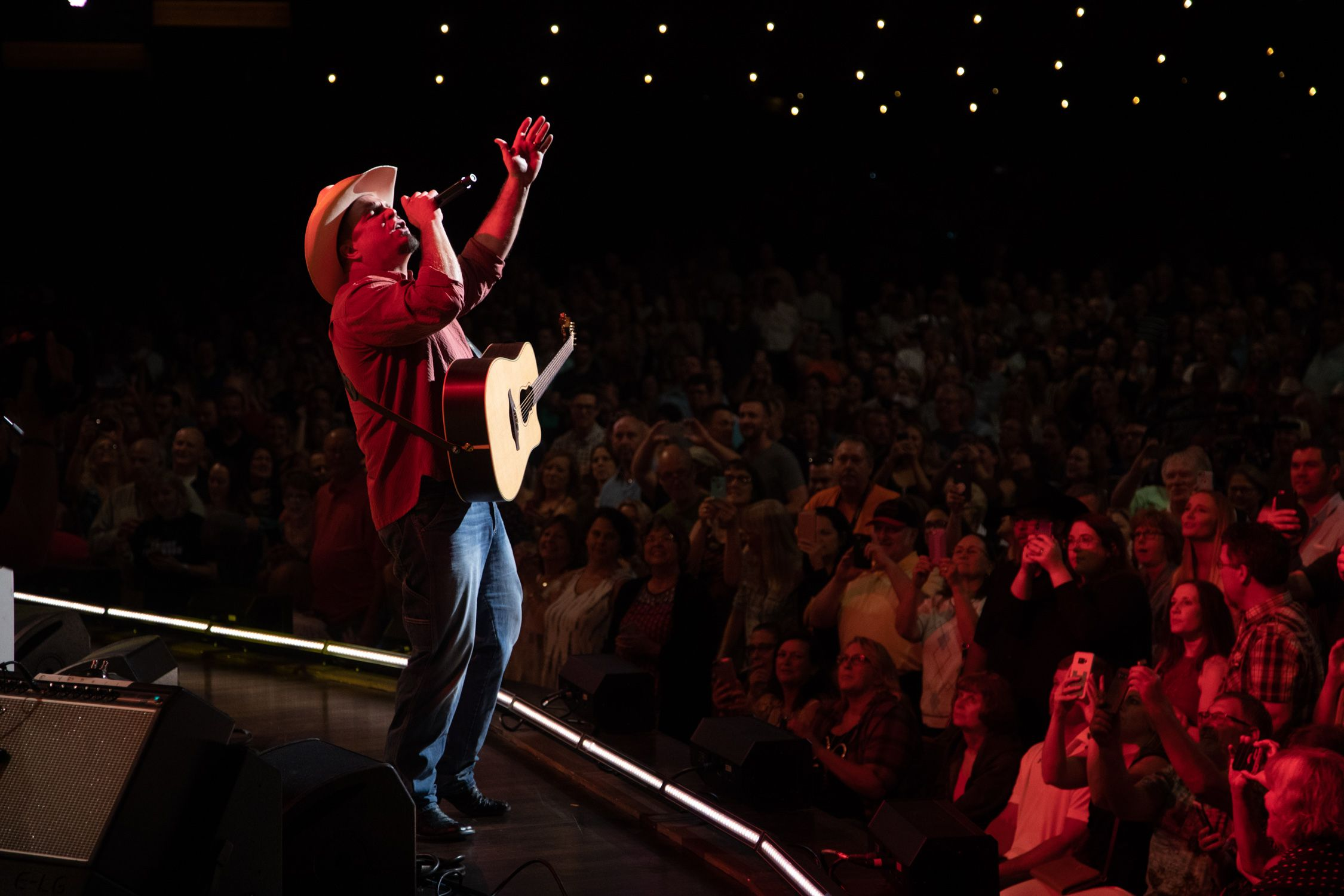 Garth Brooks' Notre Dame Concert Sells Nearly 85,000