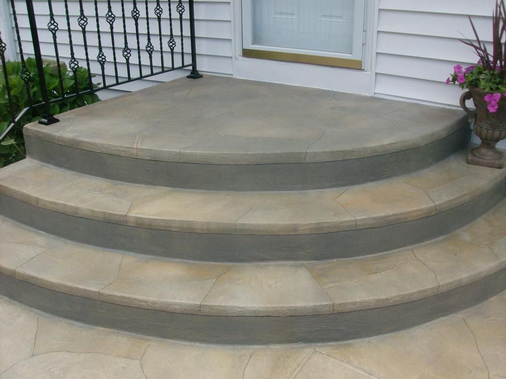 Rounded paver steps rounded concrete step Round wooden stepping stones