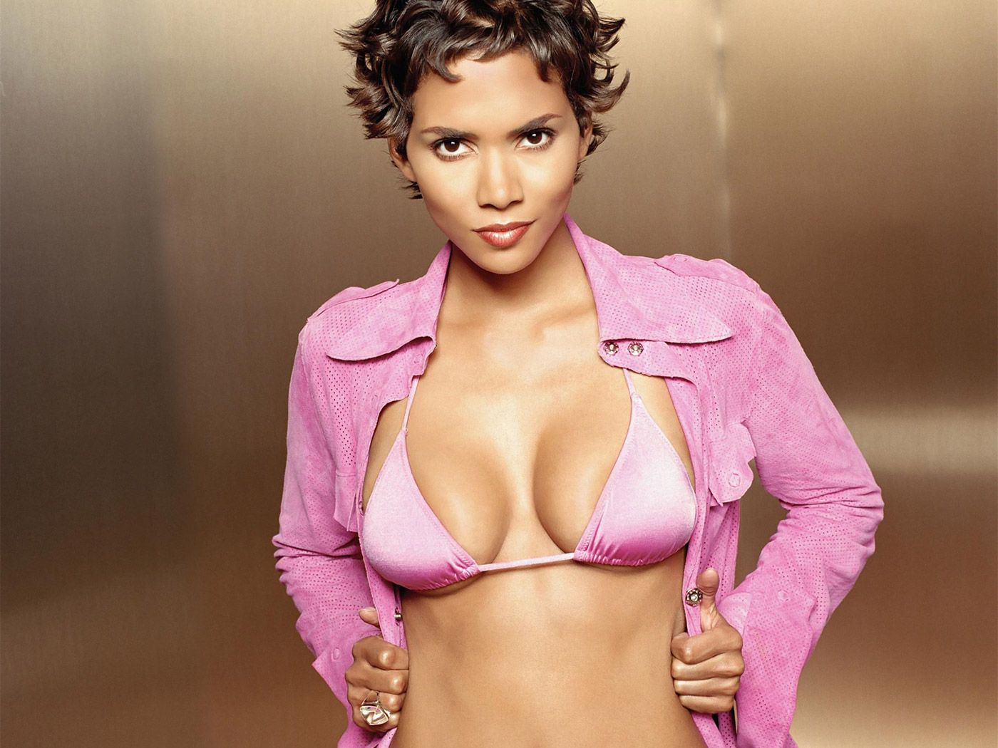 Halle Berry Hot Halle Berry Hot Wallpapers Photos And