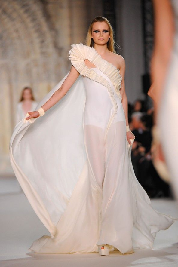 Stephane Rolland  SPRING/SUMMER 2012  COUTURE