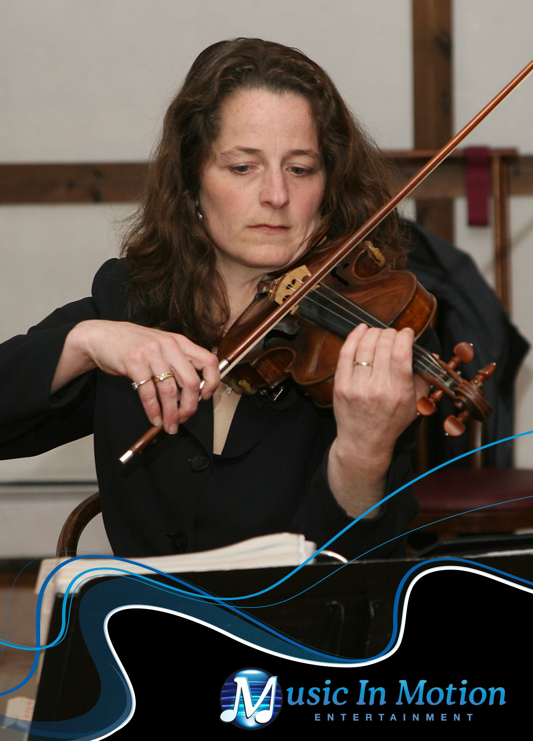 Virtuoso Violinist Jennifer Casey Of Music In Motion