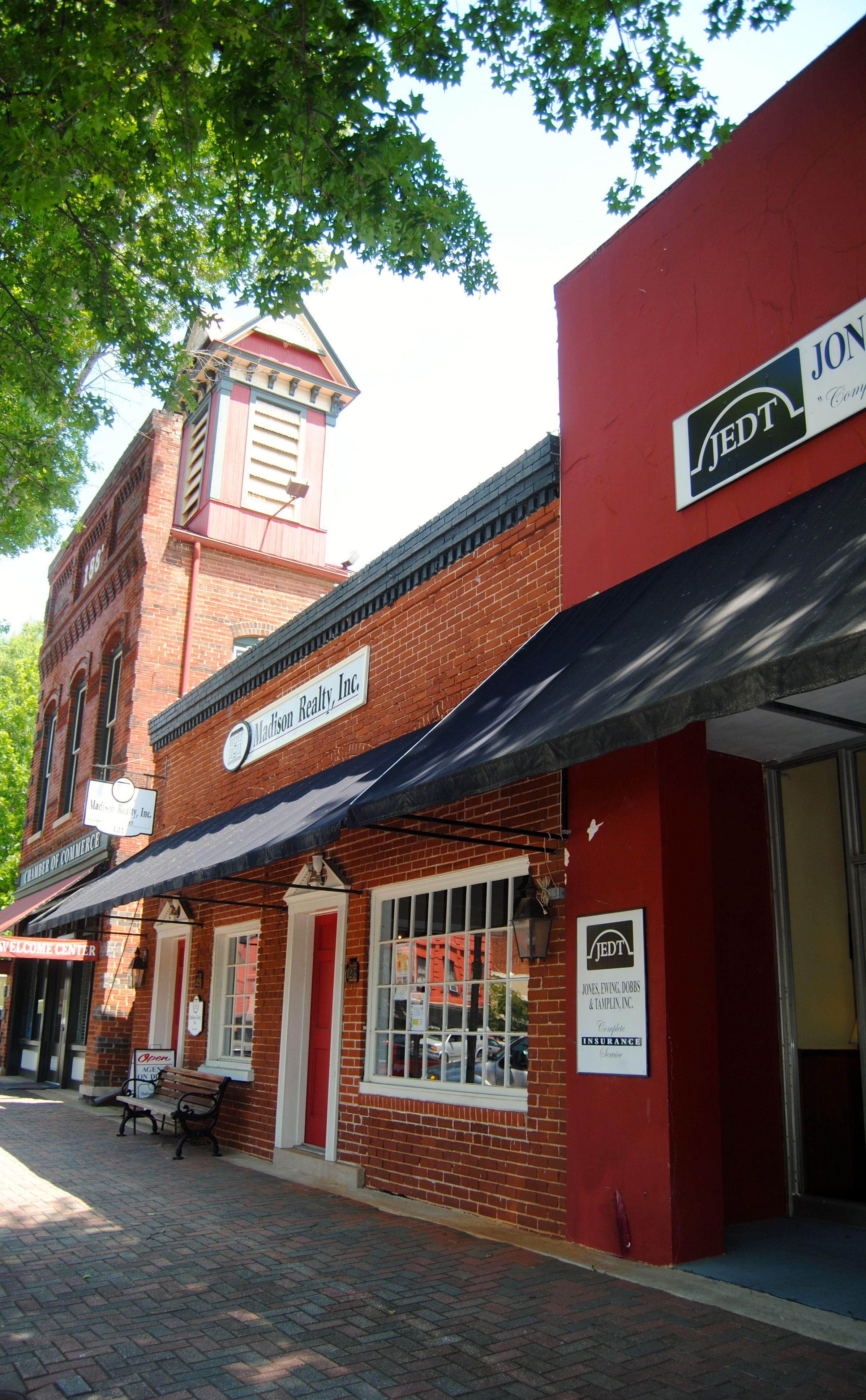 Street scene in downtown Madison, Ga. Historic homes