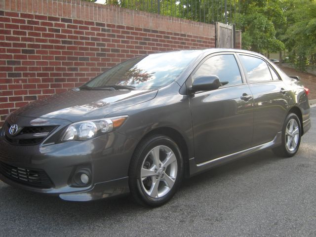 2011 Toyota Corolla S 31 000 Miles Sunroof Purchased Off Lease From Toyota Financial At Manheim Atlanta Toyota Corolla Car Auctions Bmw Car