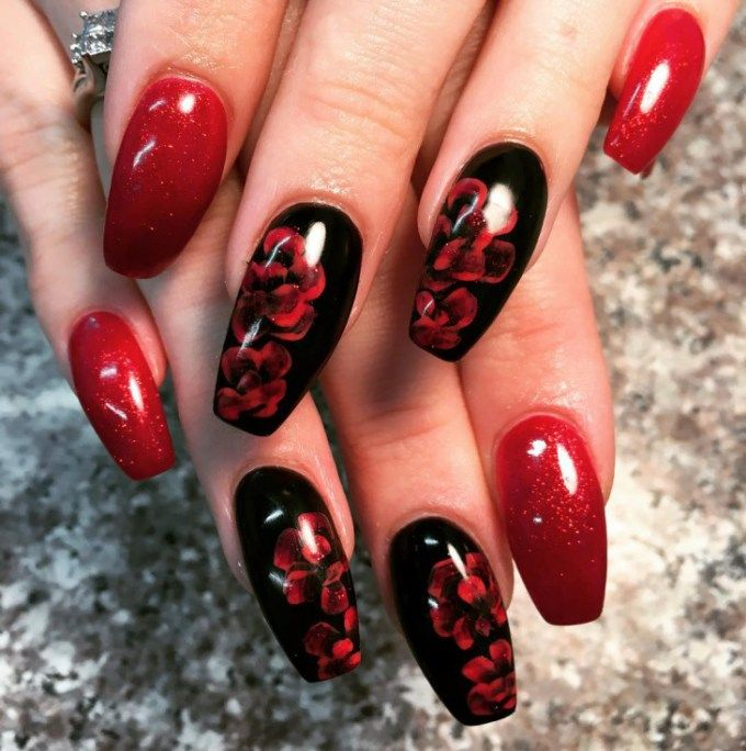 Red Black Flower Nail
