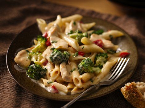 Roasted Garlic Chicken Penne - Enjoy this delicious, ready-in-30-minute, chicken-broccoli-pasta dinner made using Progresso™ Recipe Starters™ cooking sauce.