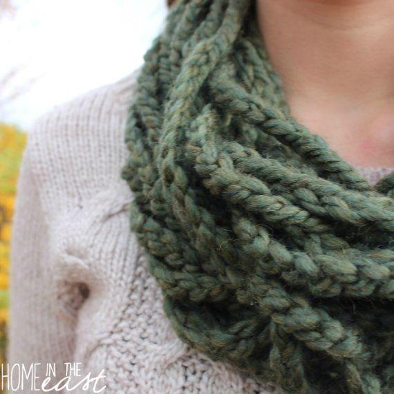 Green Infinity Scarf  Handmade Winter Scarf  Handmade Scarf Crochet Scarf Winter Accessory  Lady Scarf  Circle Scarf