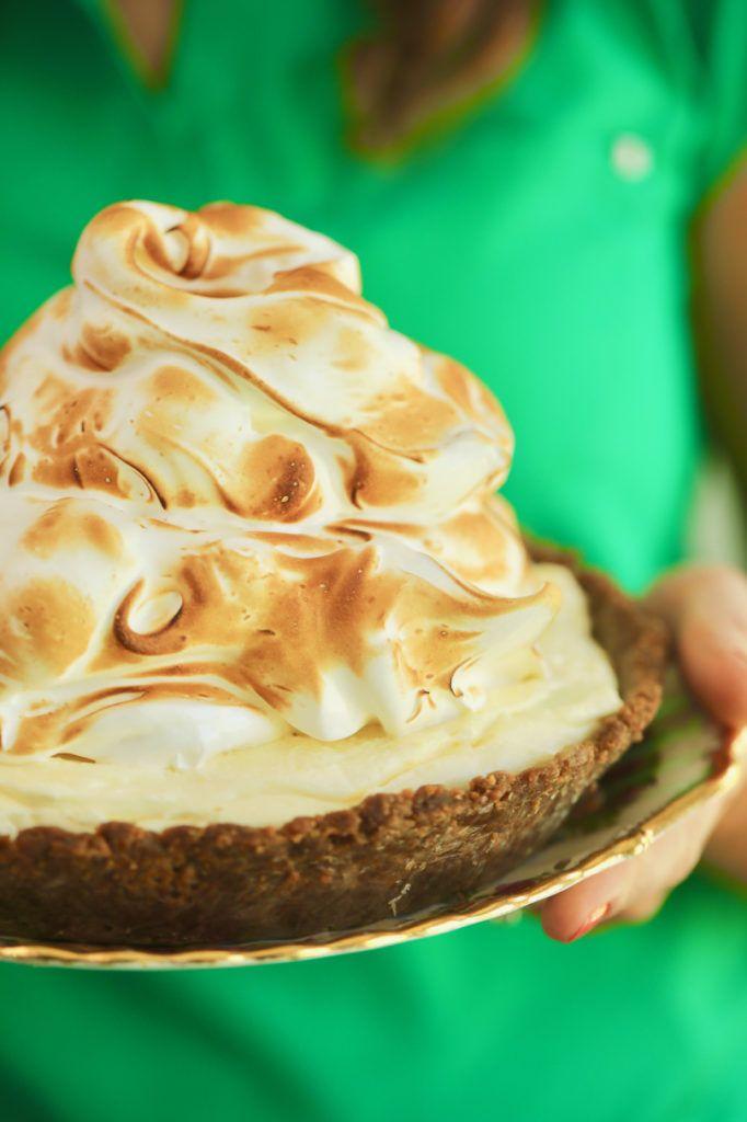 No-Bake Lemon Meringue Cheesecake #lemonmeringuecheesecake
