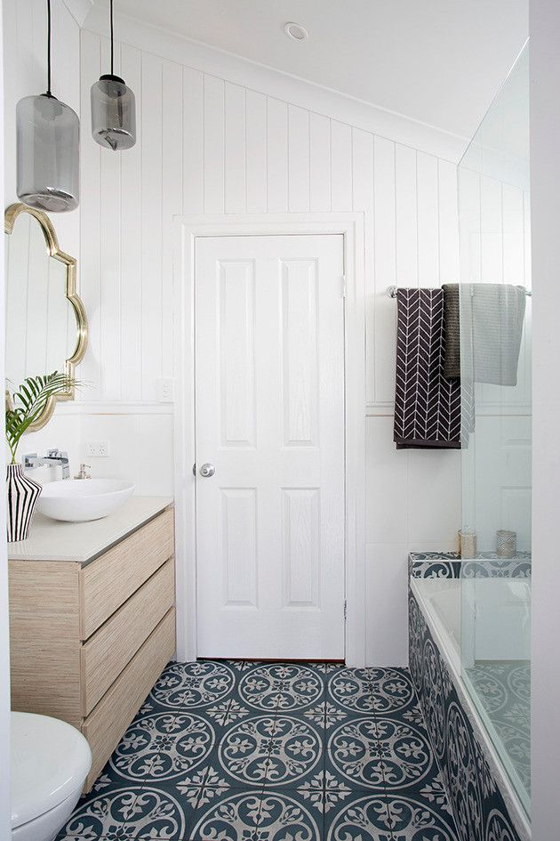 holiday home reveal bathroom zone 2 photos house. Black Bedroom Furniture Sets. Home Design Ideas