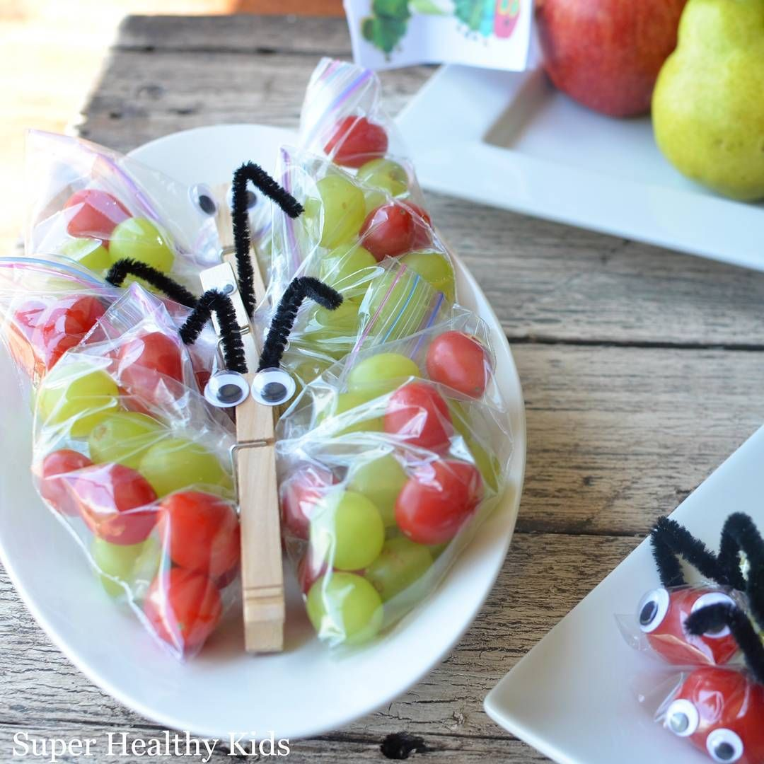 Grapes and cherry tomato snack!  Combo from heaven.  #dontsitonthelunchbag!  #healthykids #healthysnacks  #funfood #kidsfood