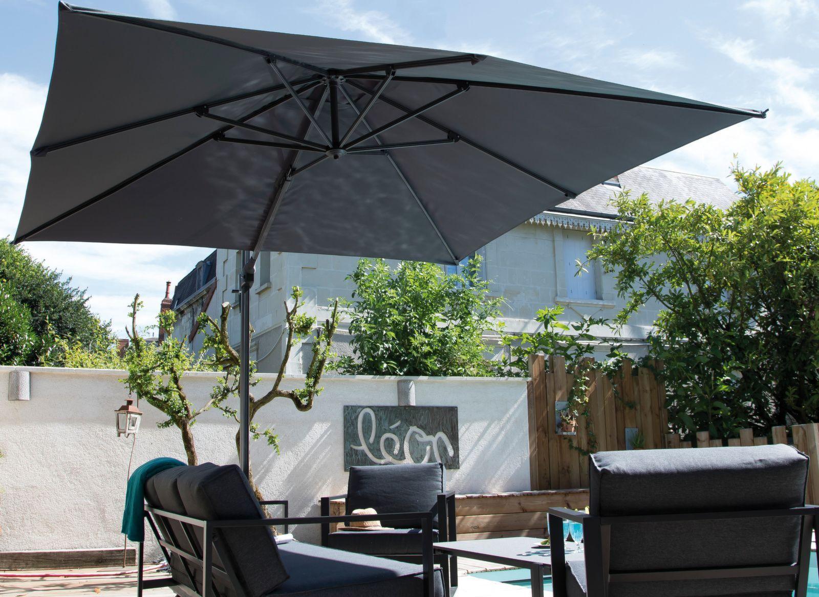 Kun Haluat Maisemaan Sulautuvan Aurinkovarjon Vari On Tyylikas Harmaa Aurinkovarjo Aurinkosuoja Tasalankaihdin In 2020 Kaihdin Varjo Harmaa