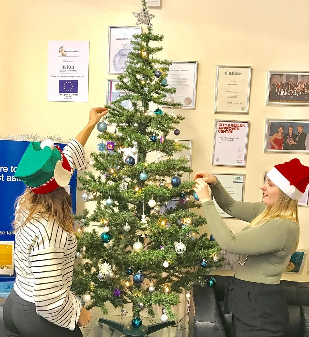 christmas tree sassy christmas tree decoration ideas - Office Christmas Tree Decorating Ideas