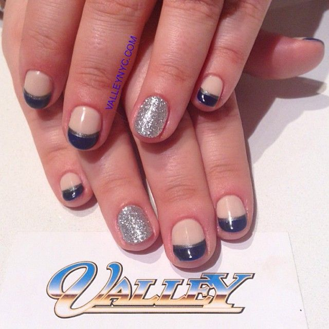 #valleynyc #valleynails #valley15 #valleynolita #nailart #notd #frenchmanicure #glitter #doublefrench