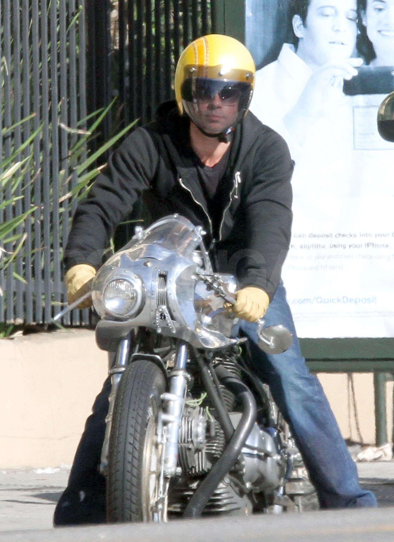 Brad Pitt Stays Cool Following A Motorcycle Mishap In La Dyna Club Style Brad Pitt Ducati Scrambler Cafe Racers
