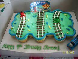train cake cupcakes - Google Search